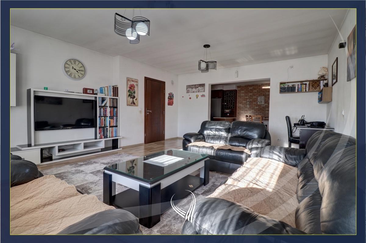 Shtëpi me 4 dhoma gjumi me qira në lagjen Arbëria-Dragodan