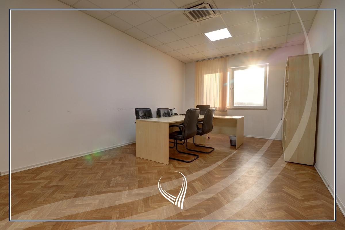 Hapësirë afariste për zyre 700m2 me qira Te Lesna – Fushë Kosovë5
