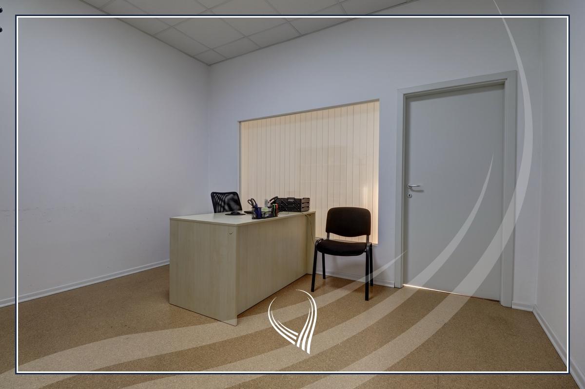 Hapësirë afariste për zyre 700m2 me qira Te Lesna – Fushë Kosovë7
