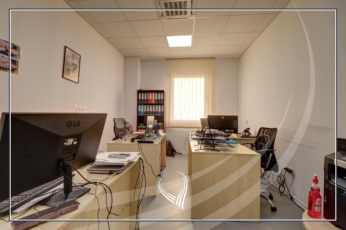 Hapësirë afariste për zyre 700m2 me qira Te Lesna – Fushë Kosovë13