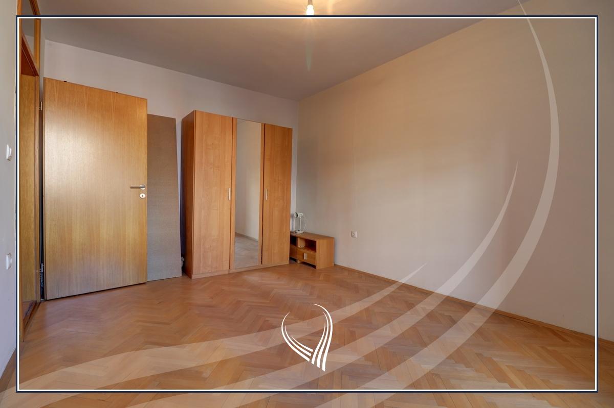 Zyre  4 dhoma pune me qira në lagjen Dardania6