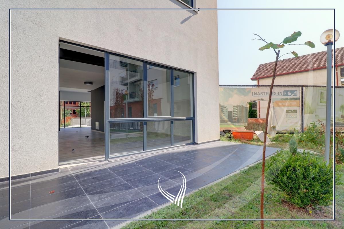Lokal 98m2 në shitje në lagjen Kalabria2