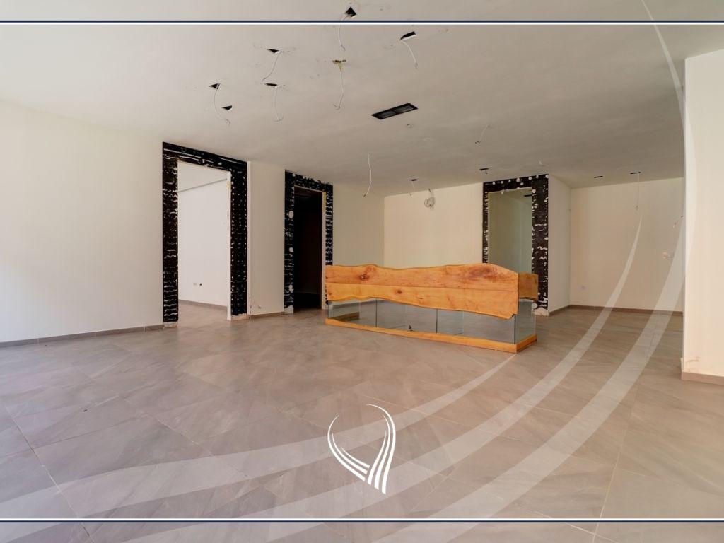 Lokal 400 m2 me qira në lagjen Mati 13