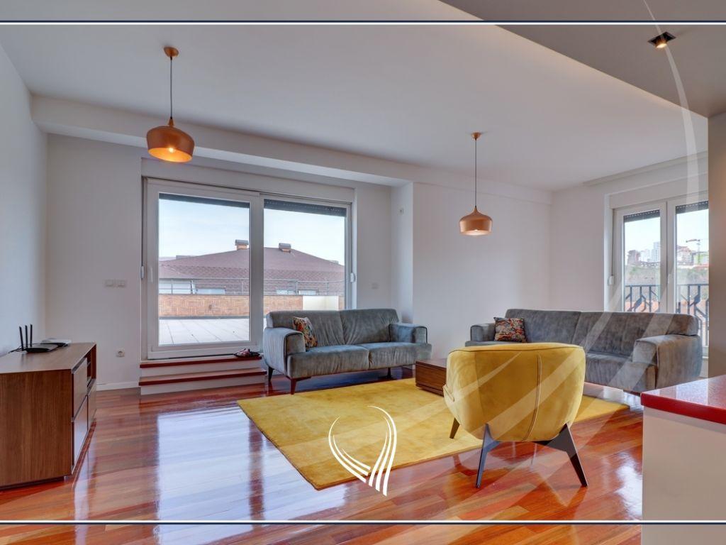 Duplex – Penthouse  me 3 dhoma gjumi me qira në lagjen Dodona1