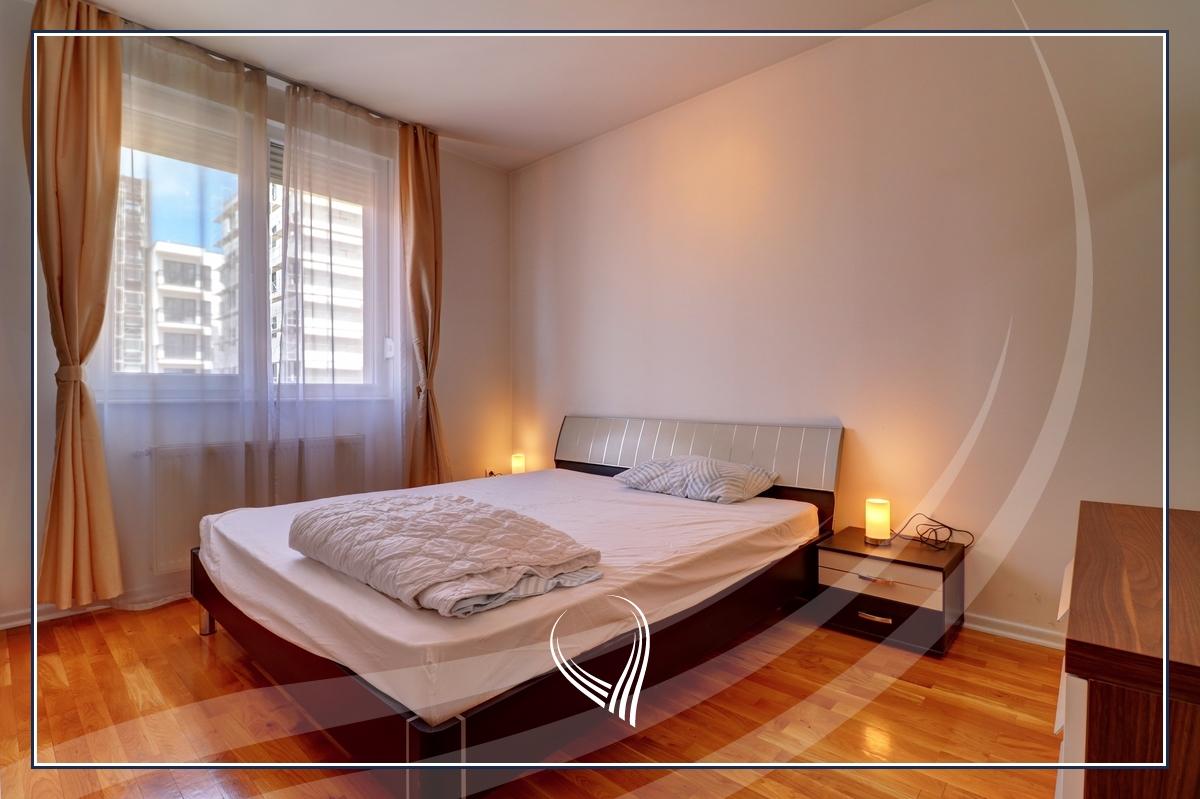 Banesë me 2 dhoma gjumi në shitje në lagjen Aktash6