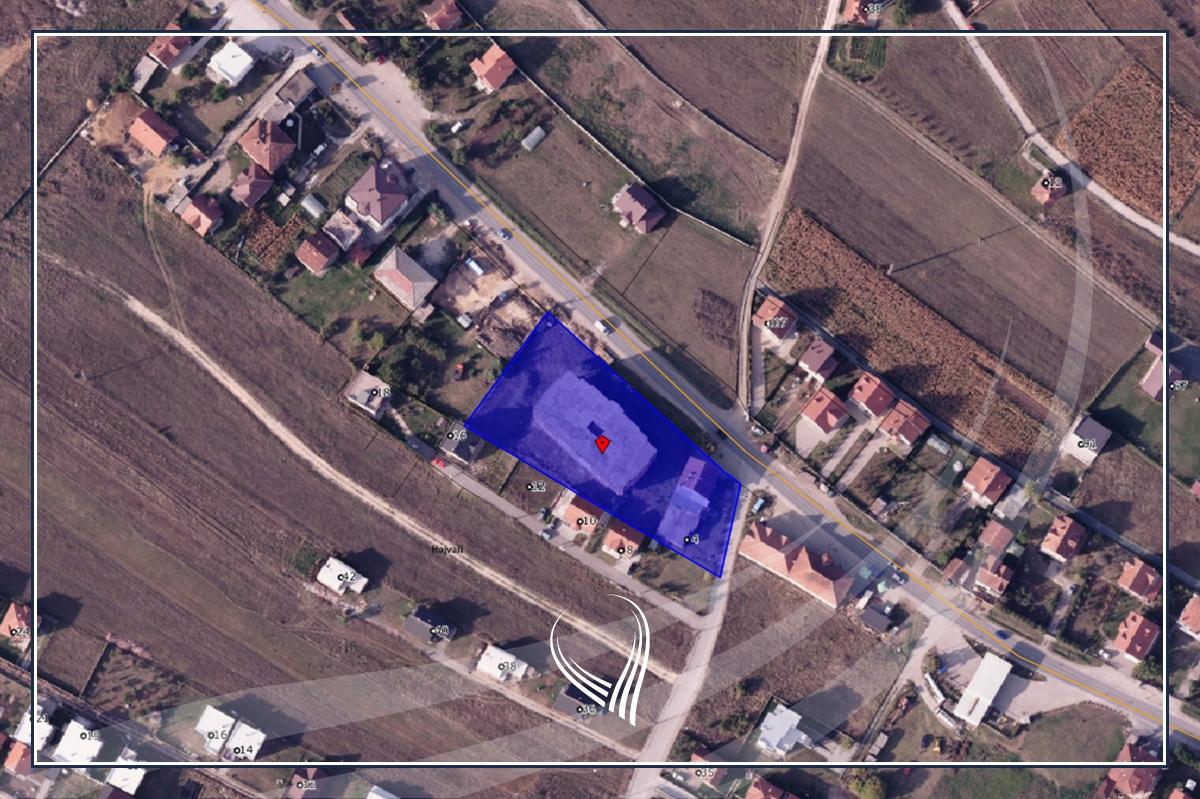 Shitet toka 33ari me 4,200m2 objekt në Hajvali0