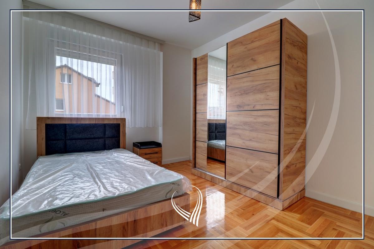 Banesë me 3 dhoma gjumi me qira në lagjen Tophane4