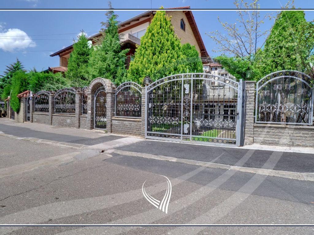 Shtëpi 151m2 në shitje ne lagjen Bregu i Diellit - Lagjja e Universitetit