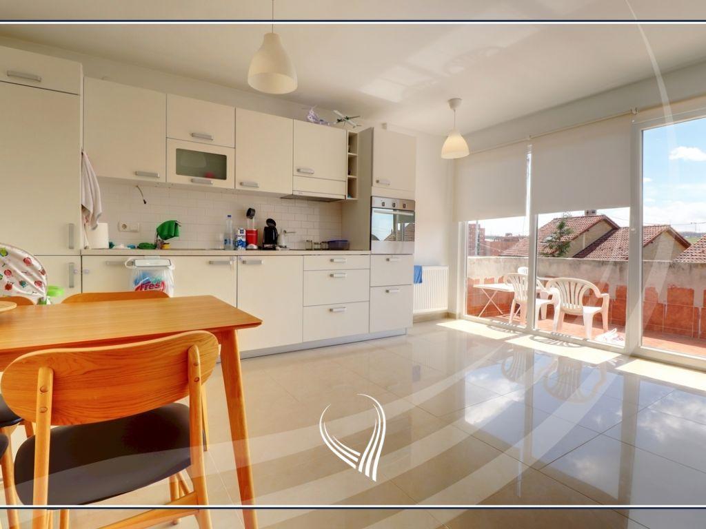 Shtëpi 151m2 në shitje ne lagjen Bregu i Diellit - Lagjja e Universitetit8