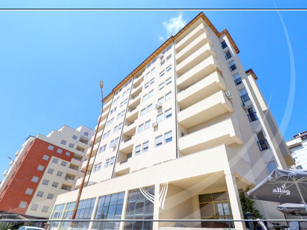 Lokal 232.71 m2 në Shitje në lagjen Arbëria - Dragodan