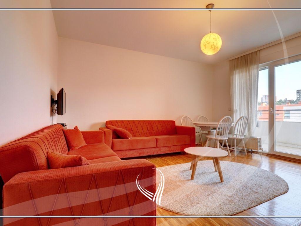 Banesë me 2 dhoma gjumi në shitje në lagjen Kalabria – Emshir