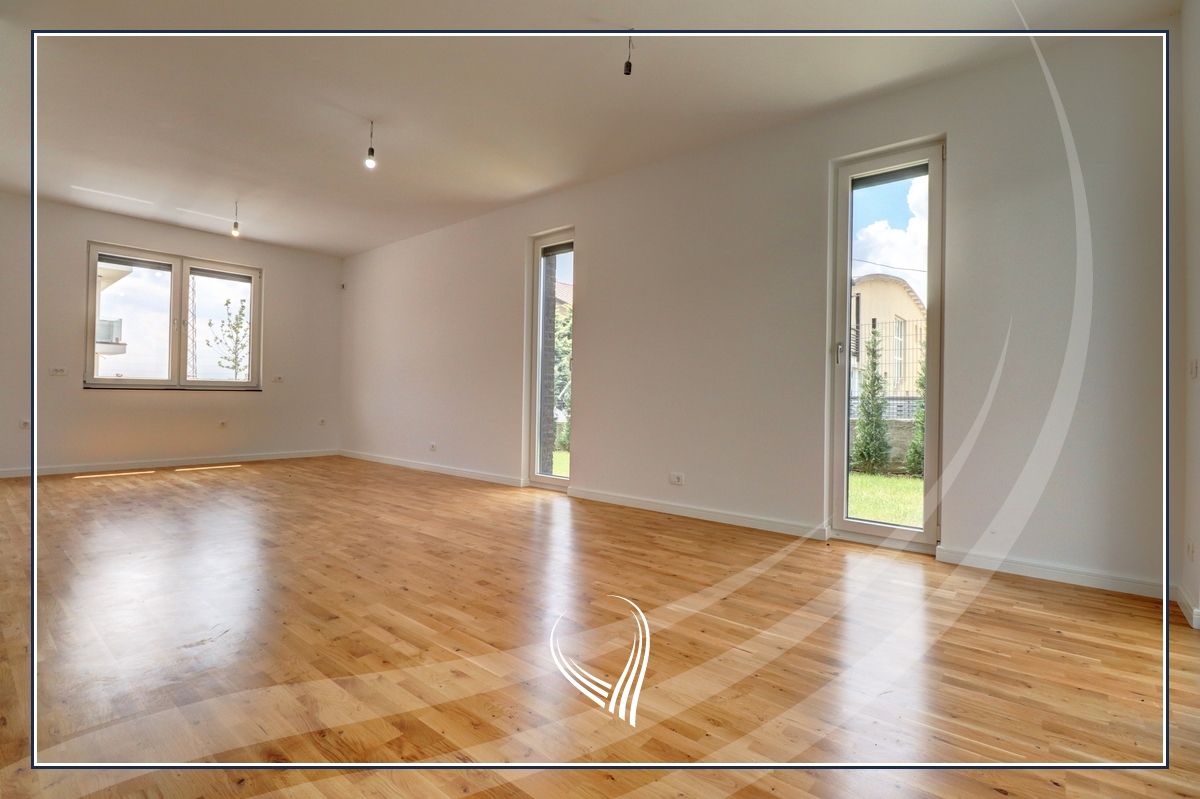 Shtëpi me 4 dhoma gjumi në shitje në lagjen Comfort Home - Çagllavicë5
