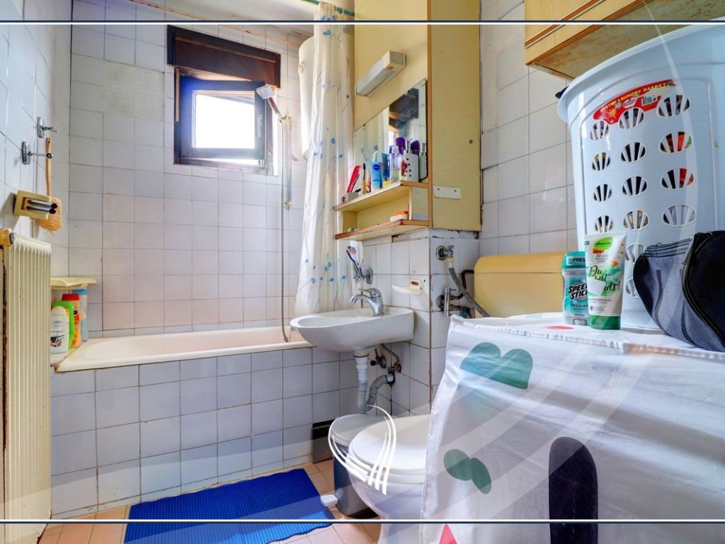 Banesë me 2 dhoma gjumi në shitje në lagjen Bregu i Diellit8
