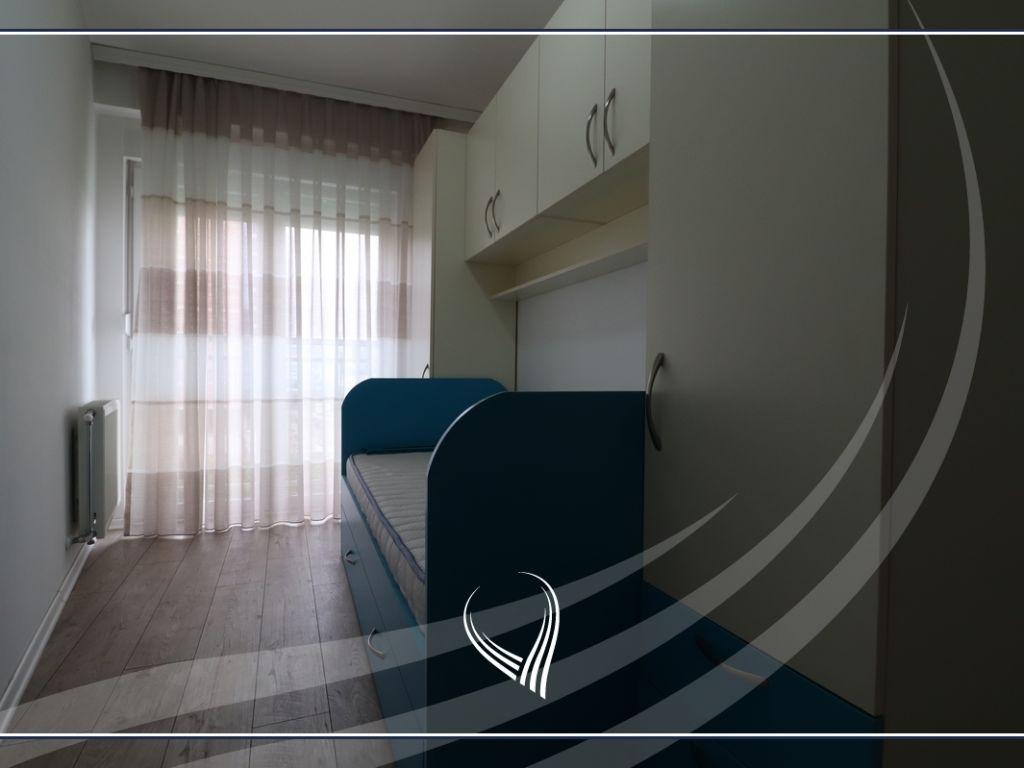 Banesë me qira me 2 dhoma gjumi në lagjen Lakrishtë3
