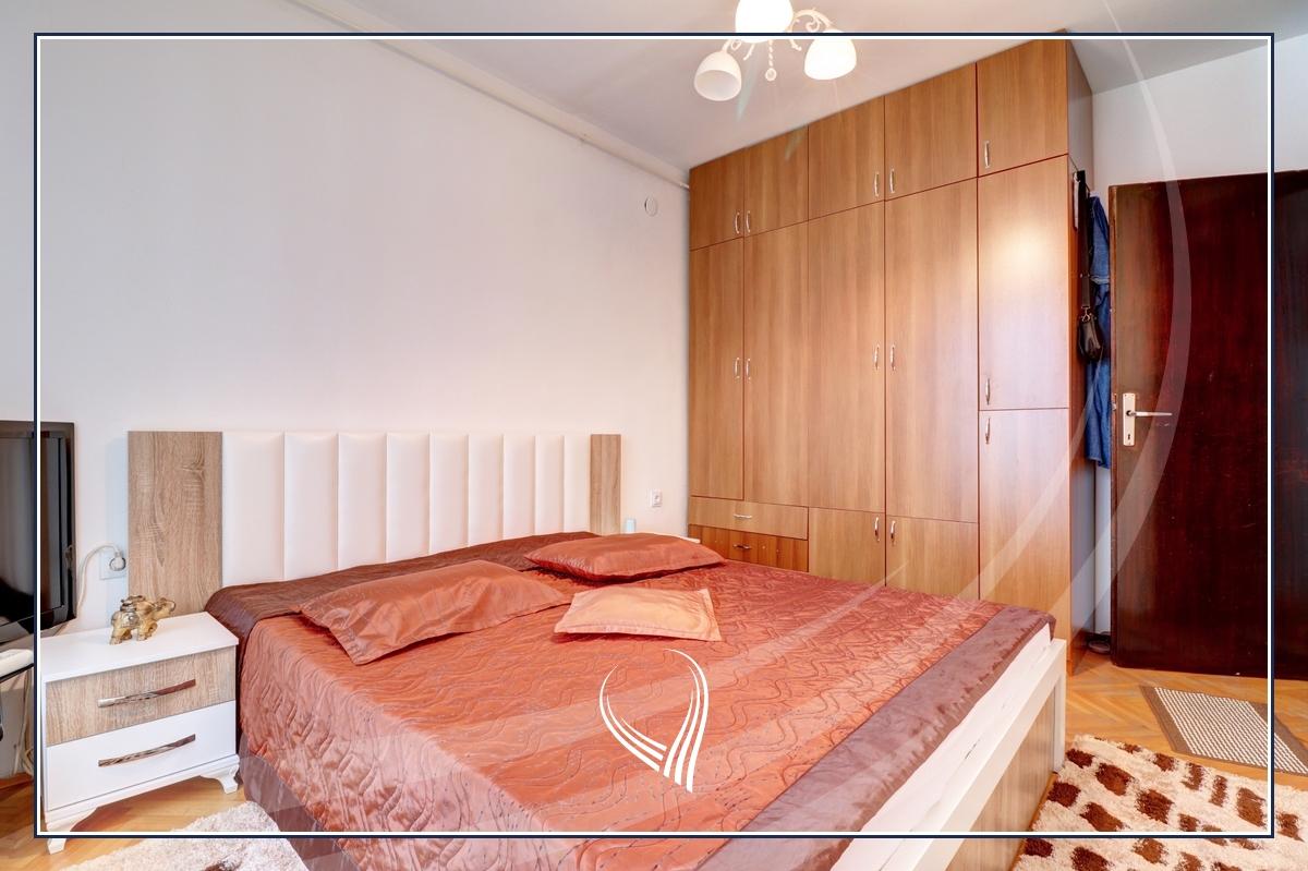 Banesë me 2 dhoma gjumi në shitje në lagjen Bregu i Diellit6