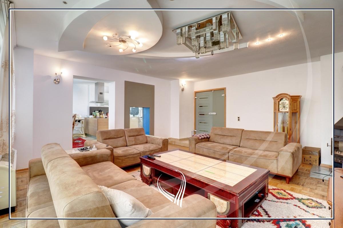 Shtëpi 955m2 në shitje në lagjen Aktash2