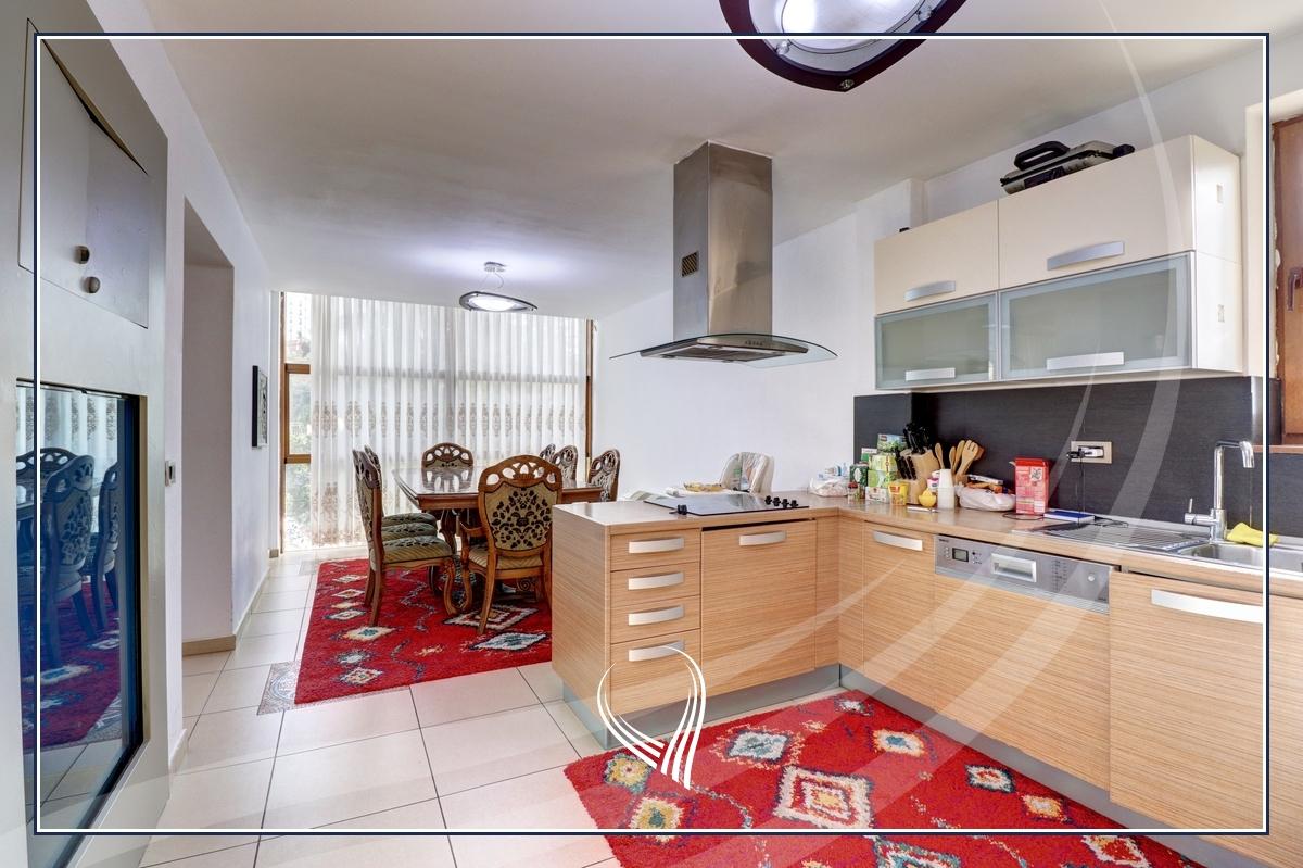 Shtëpi 955m2 në shitje në lagjen Aktash4