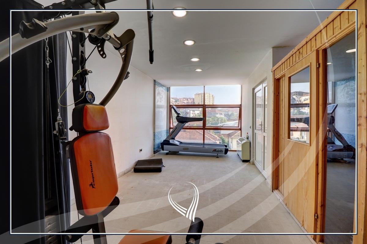 Shtëpi 955m2 në shitje në lagjen Aktash13