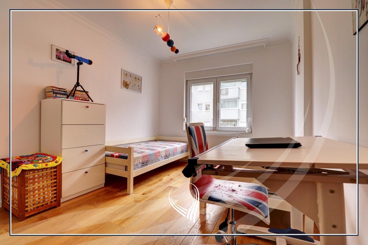 Banesë me 3 dhoma gjumi në shitje në lagjen Mati 1 - Iliria Building7