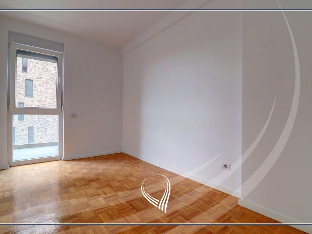 Zyre me qira me 4 dhoma pune në Hill Residence – Prishtina e re4