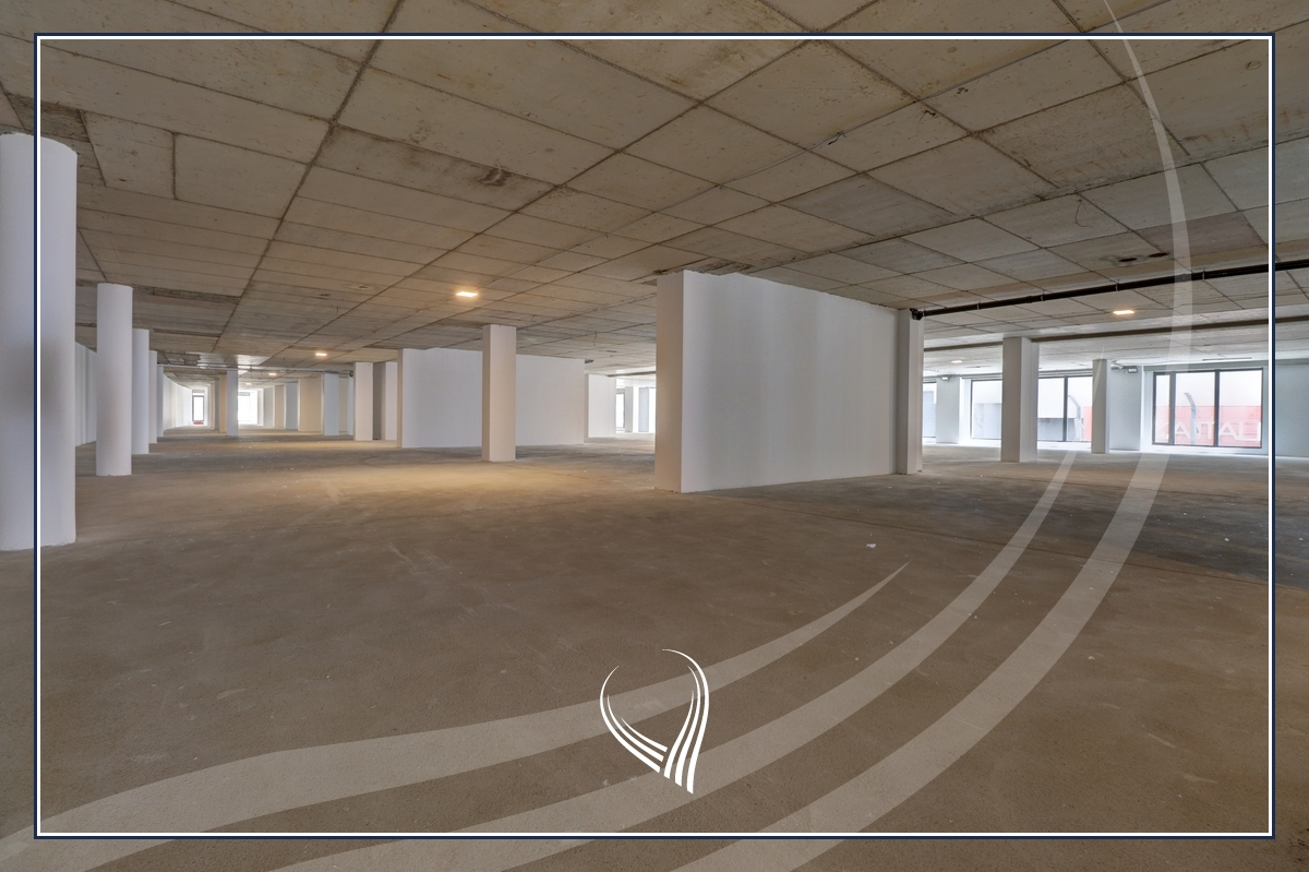 Hapësirë afariste për zyre 3704.42m2 me qira në lagjen Arbëria - Dragodan0