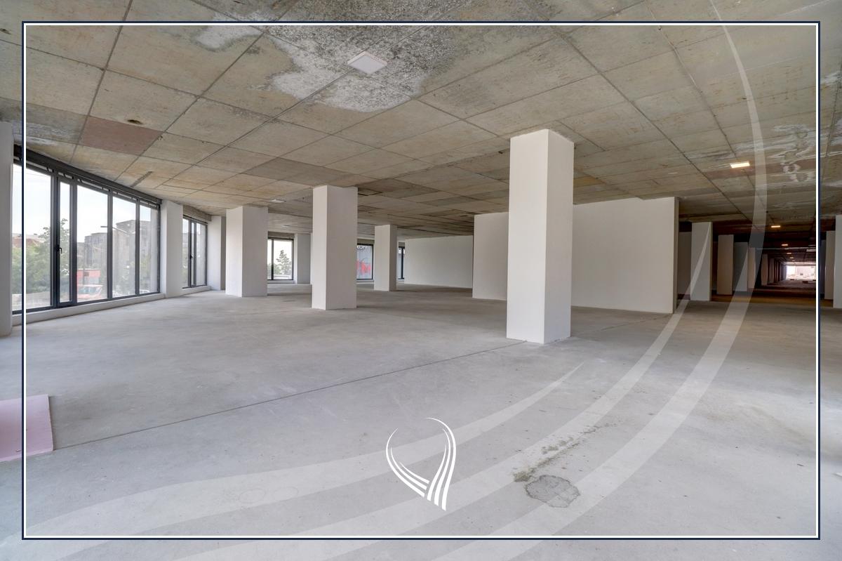 Hapësirë afariste për zyre 3704.42m2 me qira në lagjen Arbëria - Dragodan2