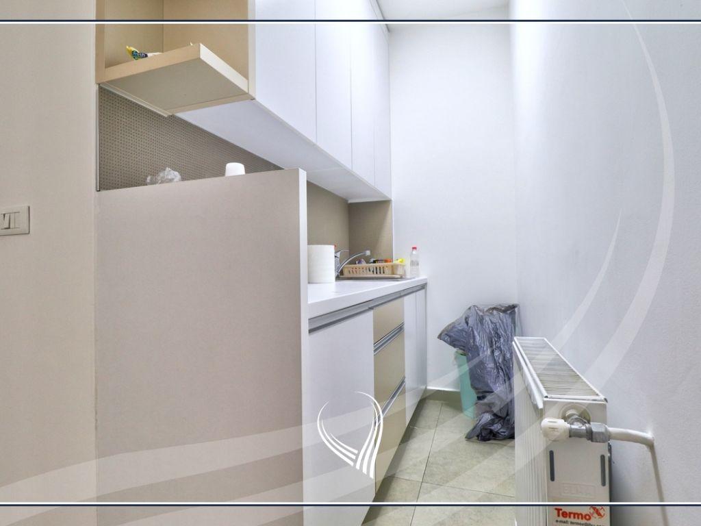 Zyre me 2 dhoma pune me qira në lagjen Mati 16
