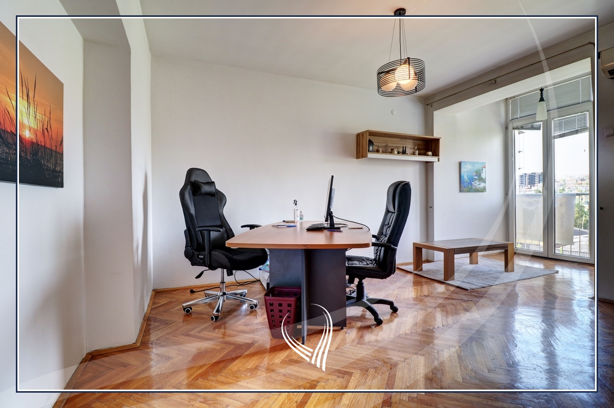 Office with 2 working rooms for rent in the Center