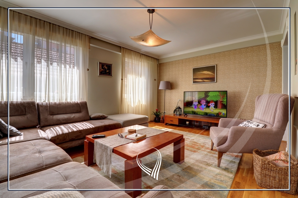 3 bedroom apartment for sale in Center