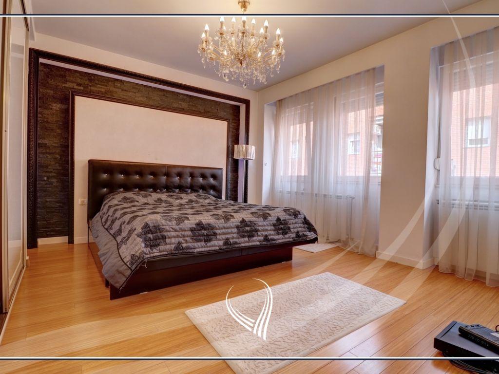 Banesë me 3 dhoma gjumi në shitje në lagjen Mati 1 – Rruga B3