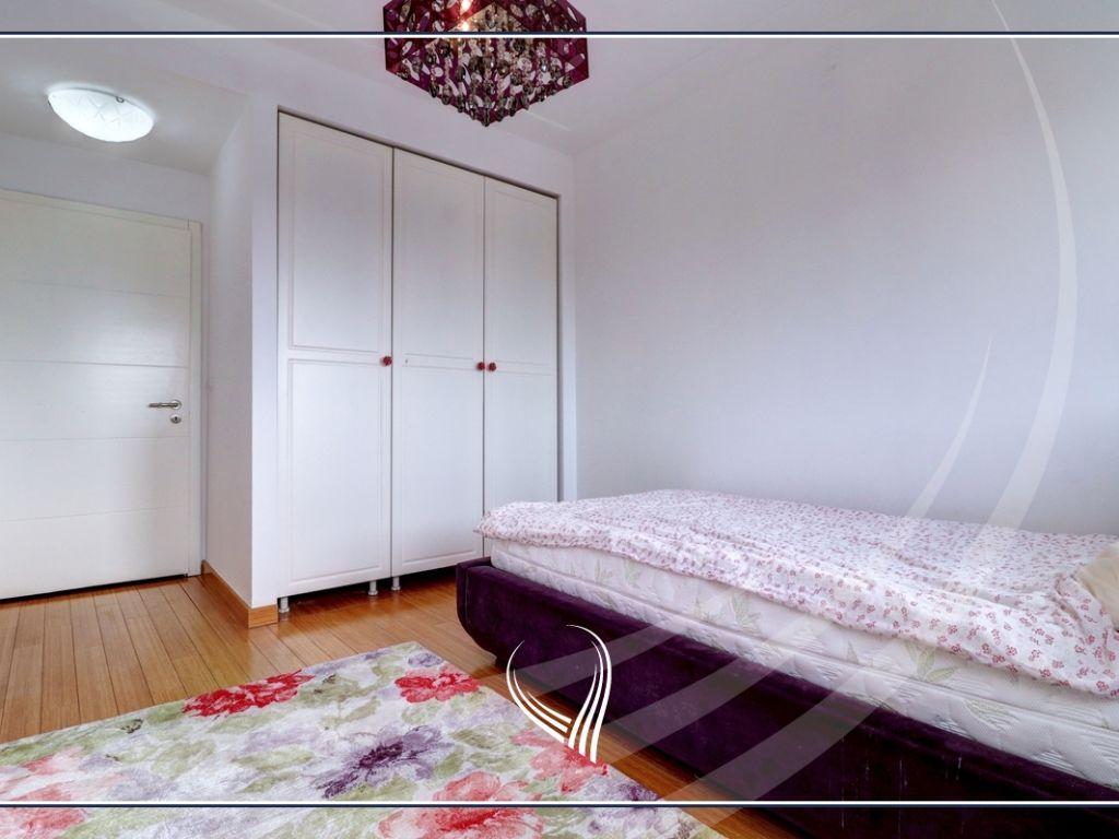 Banesë me 3 dhoma gjumi në shitje në lagjen Mati 1 – Rruga B9