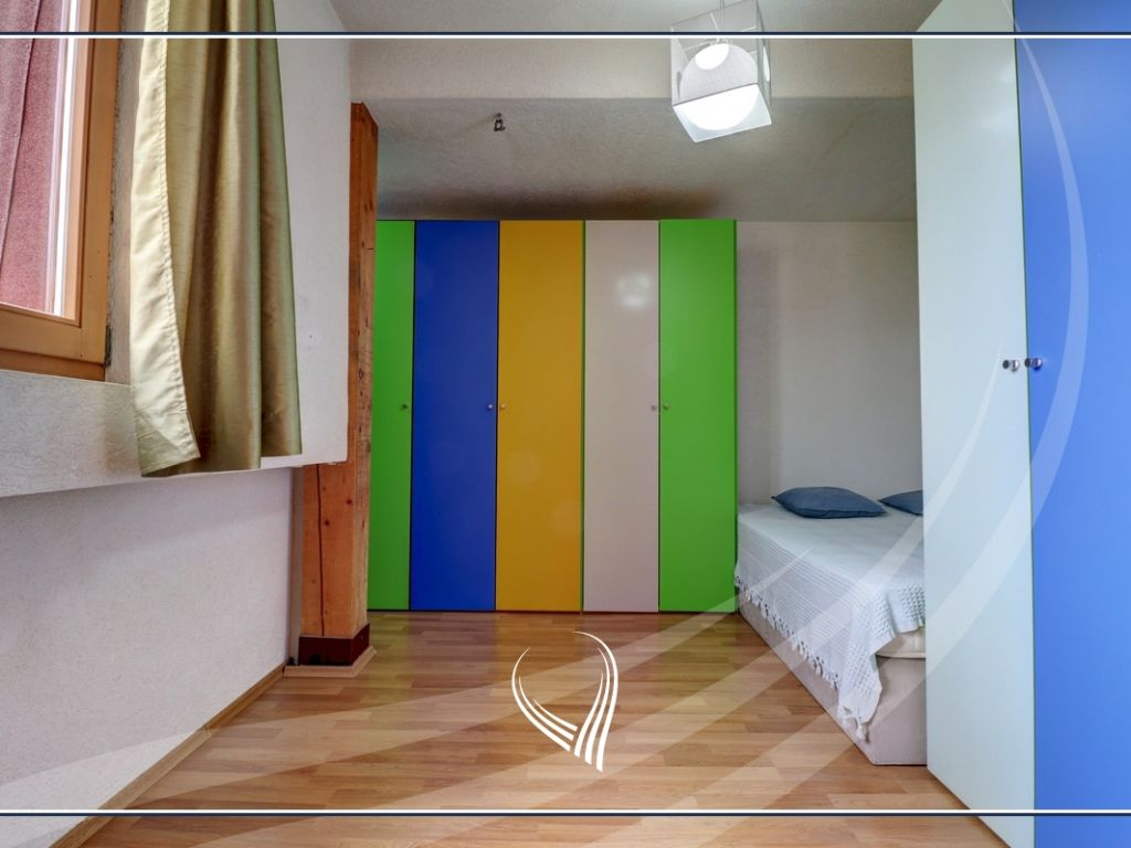 Duplex banesë me 2 dhoma gjumi në shitje në lagjen Bregu i Diellit7
