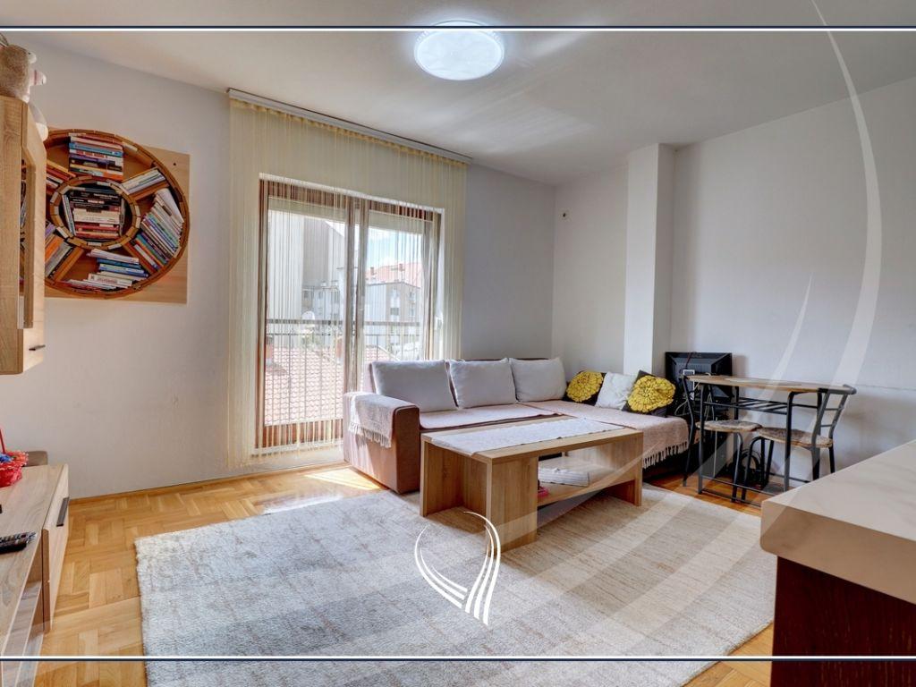 Banesë me 1 dhomë gjumi me qira në lagjen Dodona1