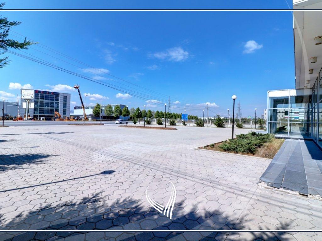 Business building 2000 m2 for rent on the highway Prishtina-Ferizaj2