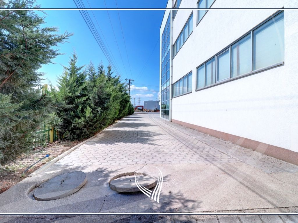 Business building 2000 m2 for rent on the highway Prishtina-Ferizaj4