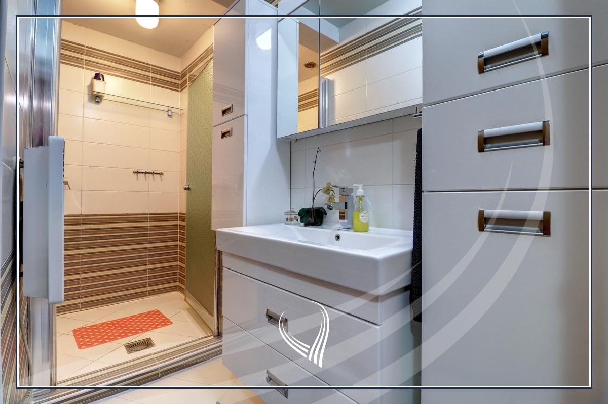 Duplex banesë me 2 dhoma gjumi në shitje në lagjen Bregu i Diellit8