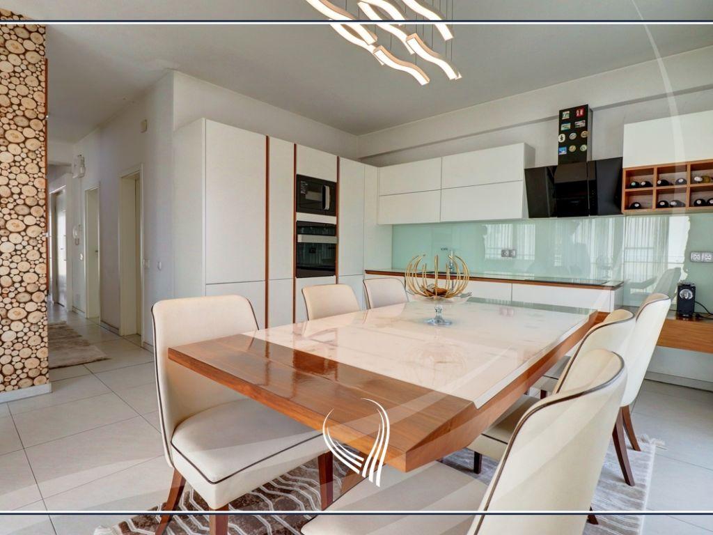 Penthouse me 2 dhoma gjumi në shitje në lagjen Mati 1 – Residio 13