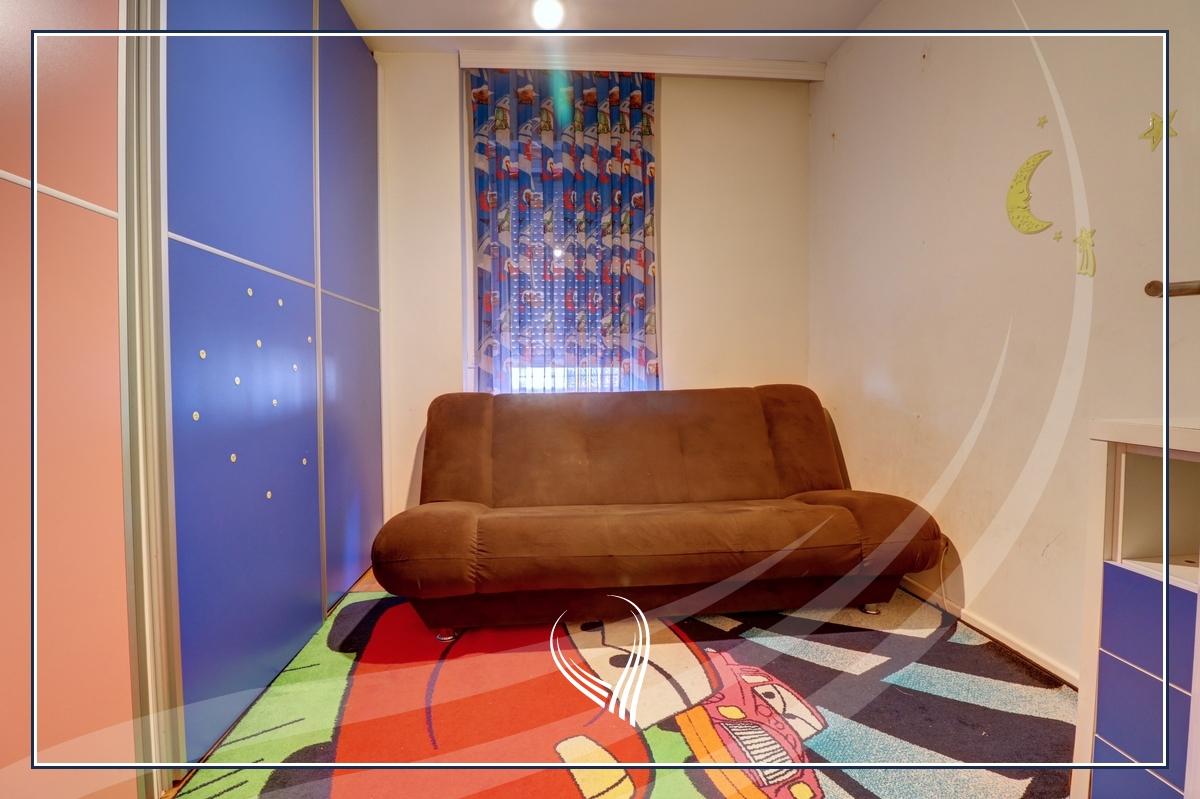 Banesë me 3 dhoma gjumi në shitje në lagjen Bregu i Diellit6